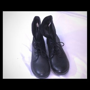 BLACK BOOTIES, W/GRAY FLANNEL FOLD OVER, SZ 9.5
